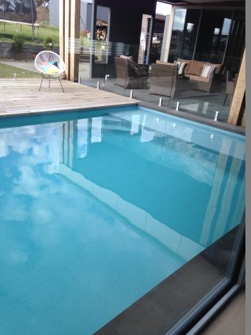 Concrete pools melbourne custom and luxurious melbourne pools for Swimming pool builder melbourne